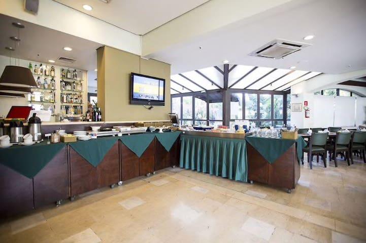 Cantina Don Pepe Di Napoli, uma das mais famosas de Sampa (eles servem café da manhã, almoço, jantar e room service 24 horas)