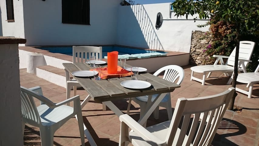 "Casa Carabo - Characterful ""white village"" house - Riogordo"