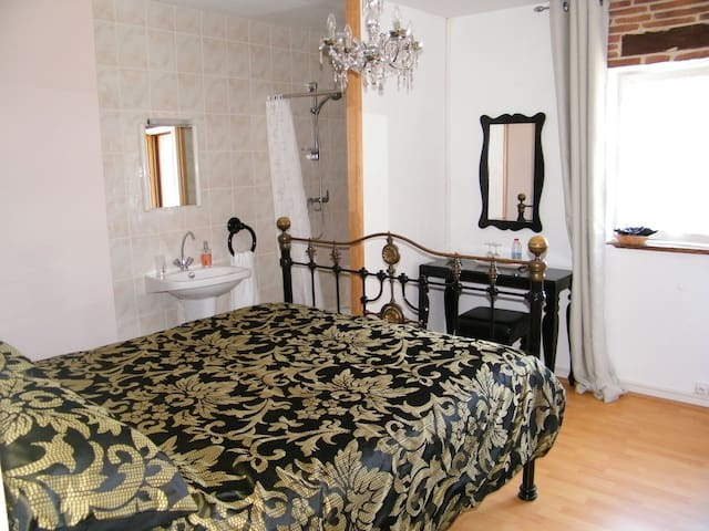 Avignon Room at le Campagnard87 - Rochechouart - Bed & Breakfast