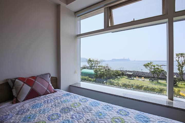 Close to Jeju Airport,With an Ocean