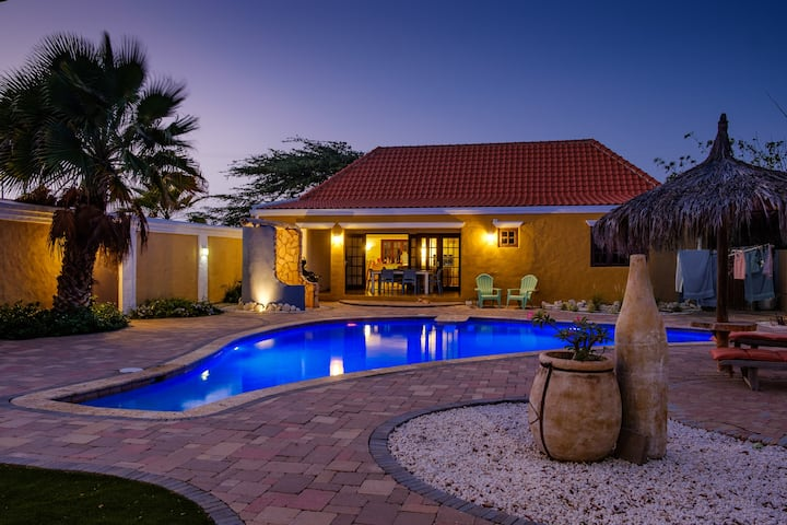 Caribbean style house - 3 bed/ 2 bath