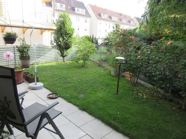 Room and garden near the lake - Friedrichshafen - House