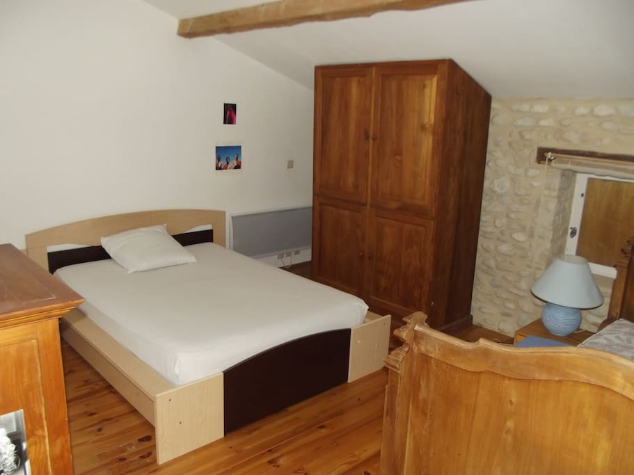 chambres d 39 h tes ferme restaur e houses for rent in saint gervais sur roubion rh ne alpes france. Black Bedroom Furniture Sets. Home Design Ideas