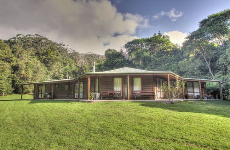 Beautiful Natural setting, Jamberoo Mt 3 bdm house - Hus