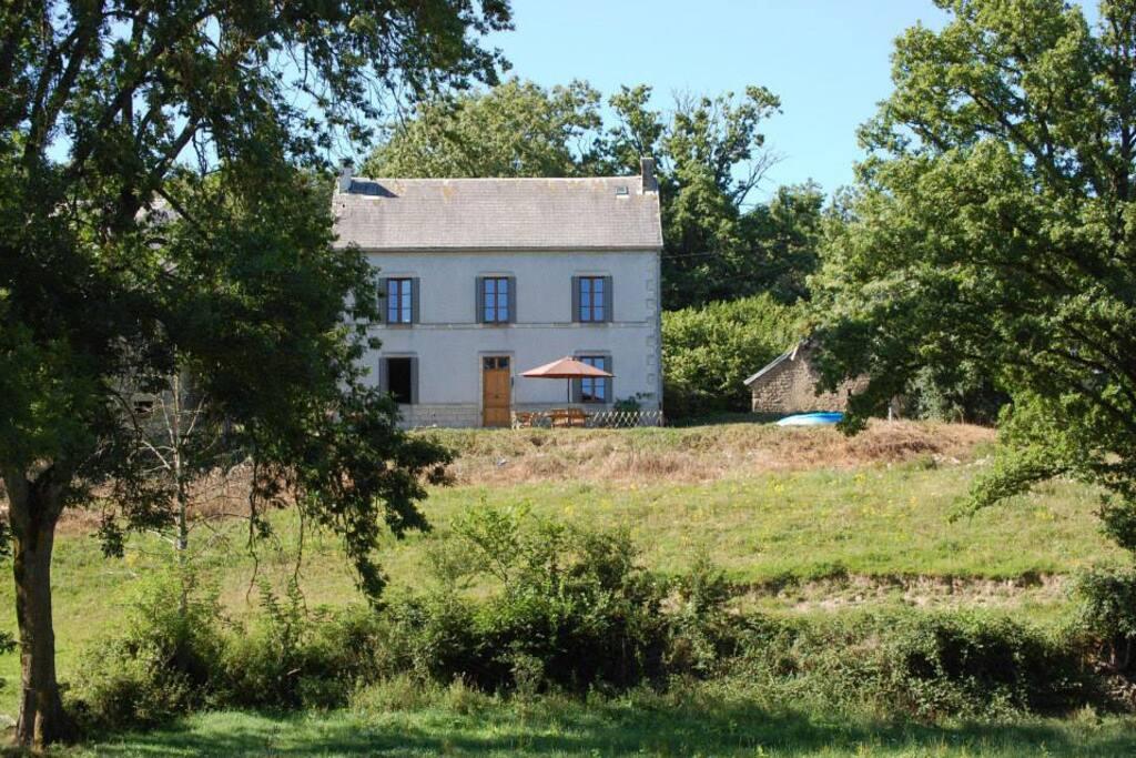 Maison lacot auvergne maisons louer espinasse for Auvergne location maison