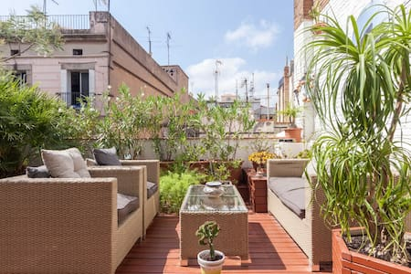Dble bedroom with 100m2 of terraces - Barcelona