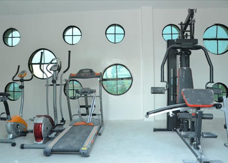 Gym on roof terrace