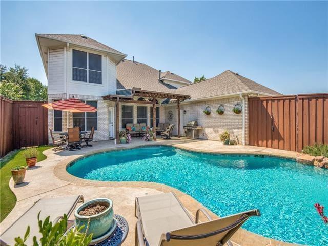 Cozy home near Dallas Cowboys training facility