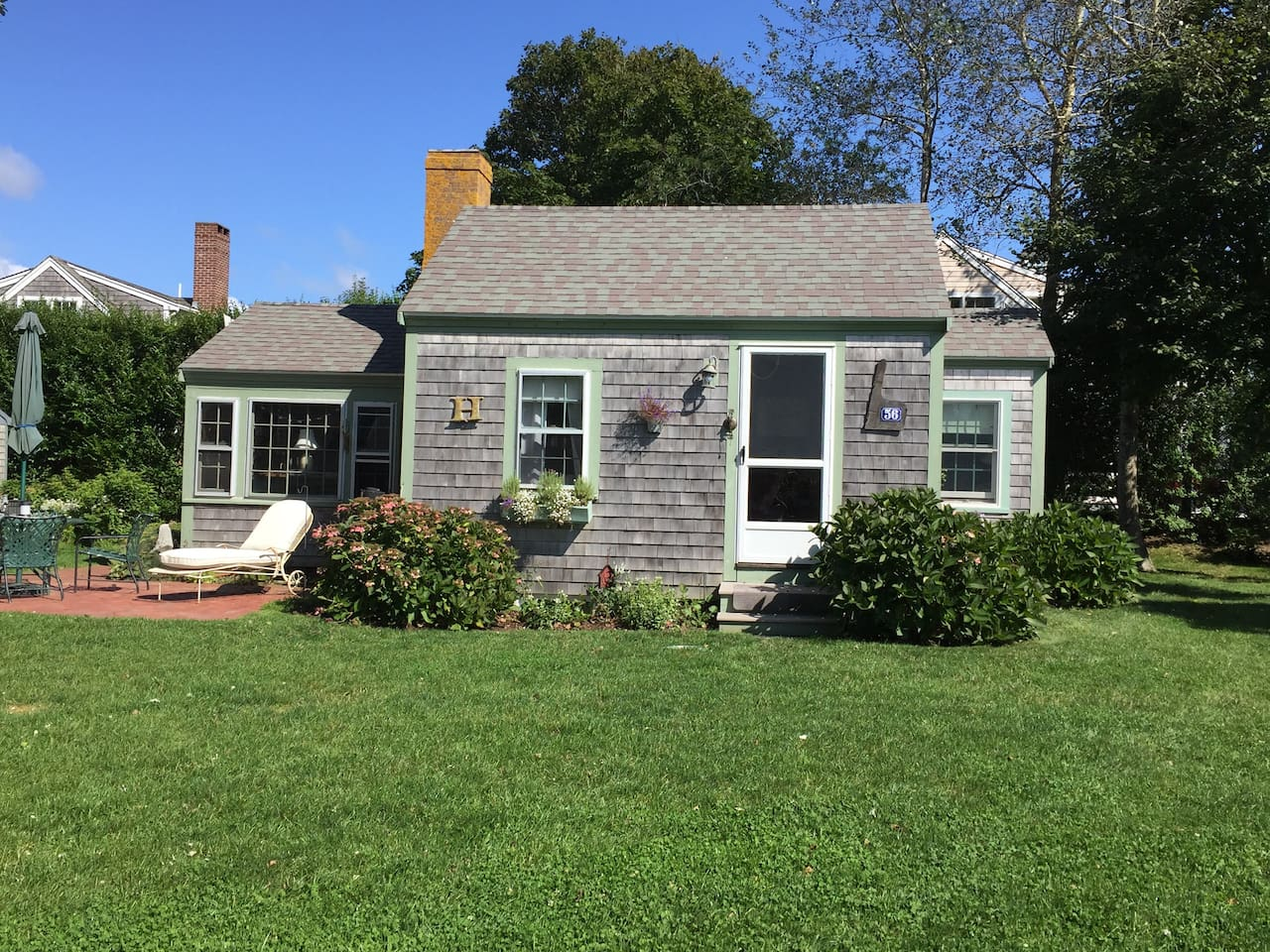 Charming Chatham Guest Cottage