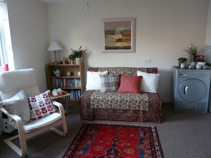 Lovely studio flat in Winchburgh