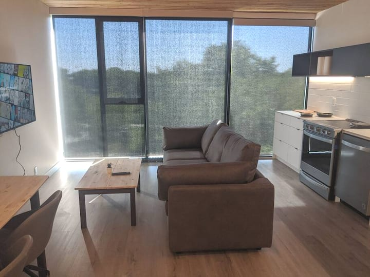 Modern 1 bedroom in the exchange. Amazing Views