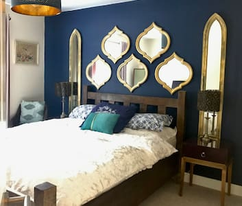 boutique king bed Apartment Nuneaton