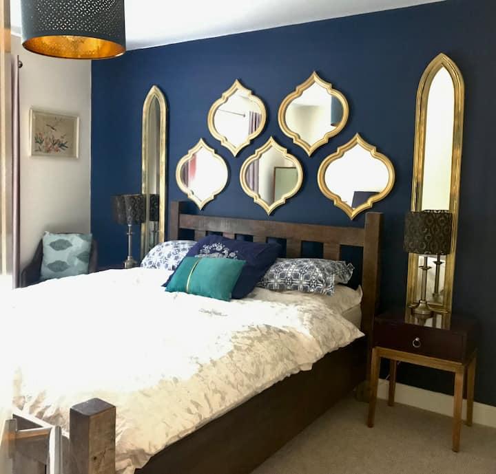 boutique king bed Apartment Nuneaton