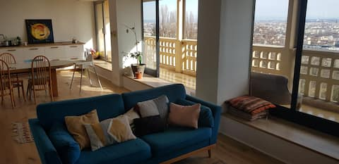 Appartement 100 m2, balcon & vue splendide !