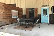 Family Style Retreat, 47 wooded acres, 10 guests