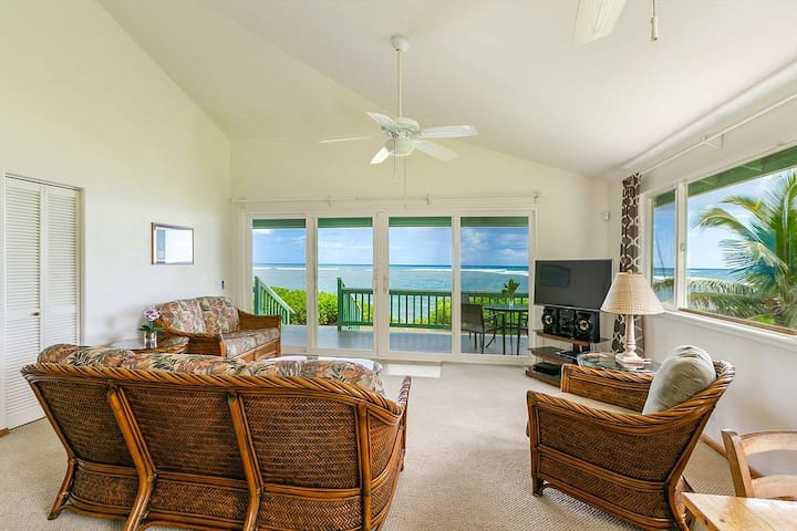 High Speed Internet and cable television provide a connection to the outside world and evening entertainment.  After a week here our guests rarely use either preferring to simply nourish their souls with the ever changing spectacle of oceanfront living.