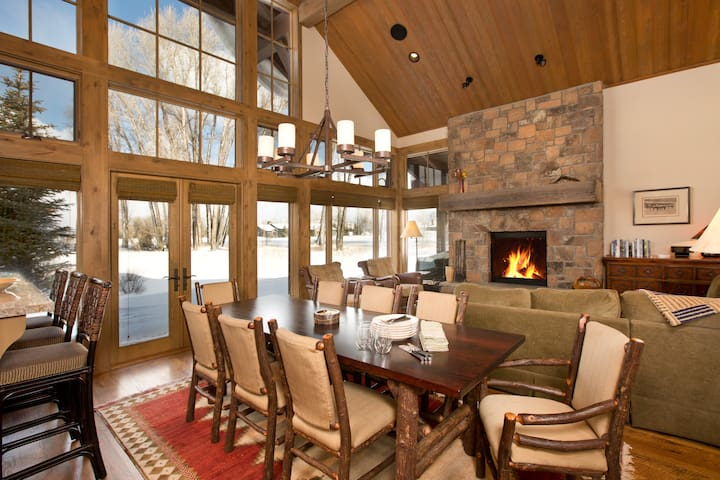 Golf and Tennis Luxury with Teton Views