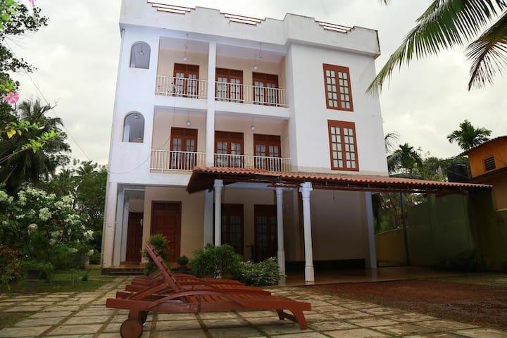 Bentota Homes-2 Apartments/4 Bed Rooms/2 Kitchens - Bentota - อพาร์ทเมนท์