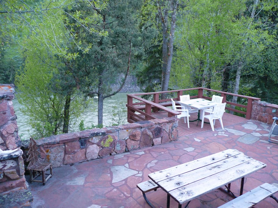 Colorado Sandstone Patio overlooking Snake River