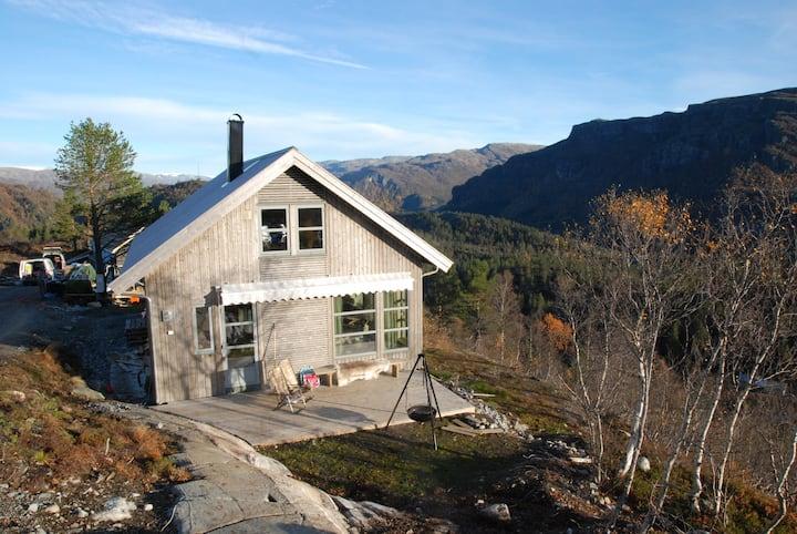 Panoramic mountain cabin