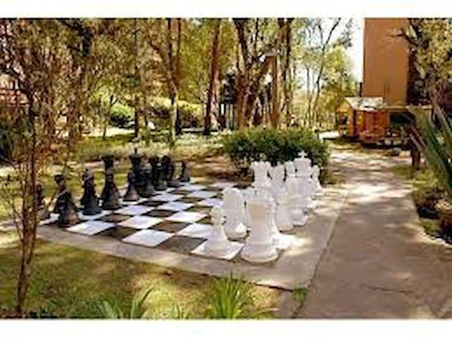 "Área de lazer ""jogo de xadrez gigante"""