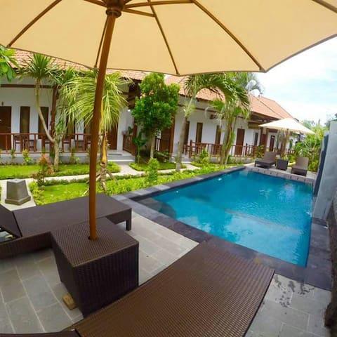 Isola d'oro villas lembongan 2 - semarapura - Casa