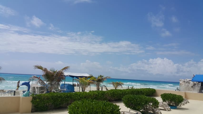 SALVIA  BEACH FRONT CONDO IN CANCUN'S HOTEL ZONE
