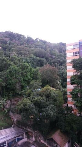 Studio (Kitinete) MOBILIADA em Laranjeiras - Rio de Janeiro