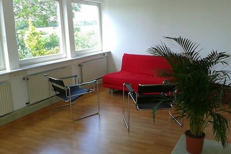 Sonnige modern eingerichtete Studio-Wohnung - Gäufelden