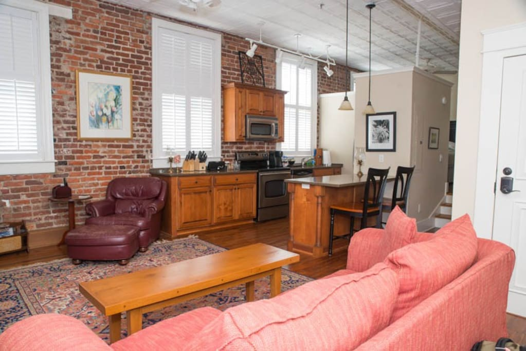 charleston downtown condo walk to everything apartments for rent in charleston south. Black Bedroom Furniture Sets. Home Design Ideas