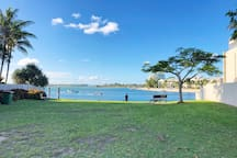 Under 2 min walk to the river, launch the kayak, take a dip or bring a picnic.