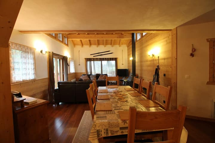 Chalet 3bedrooms 8people with wifi near ski bus