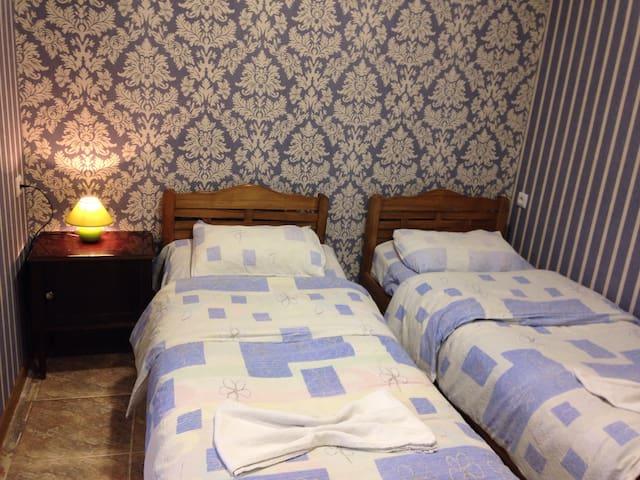 "Guesthouse ""Meidani"" - Tbilisi - Bed & Breakfast"
