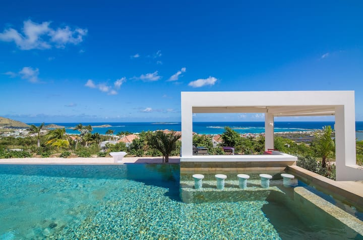 Modern Private Villa, Swimming Pool, AC, Free Wifi, Near Orient Beach, Ideal for Couples/ Families!