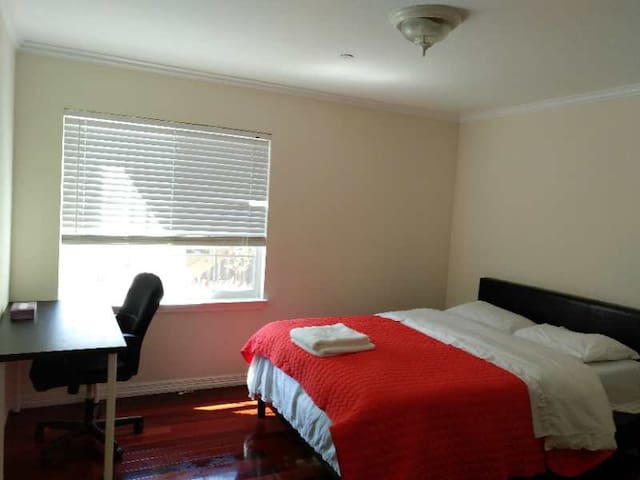 1332D Cozy Private Bedroom with Work Desk near SFO
