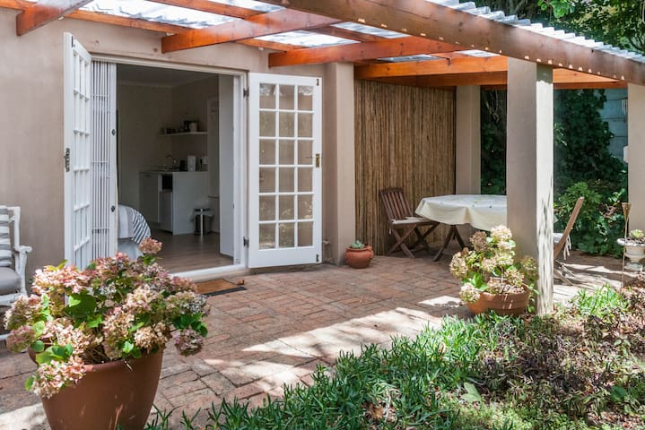 Lovely Cottage Constantia Cape Town - เคปทาวน์