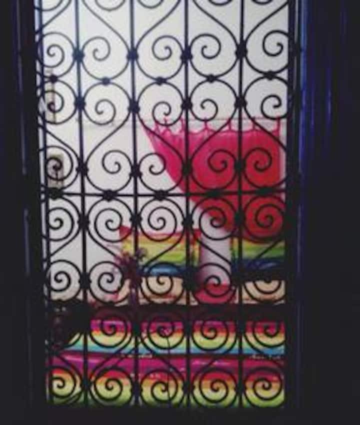 une chambre  au coeur de la medina  chez loulou