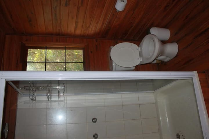 206 - 2 Private rooms and 1 loft room