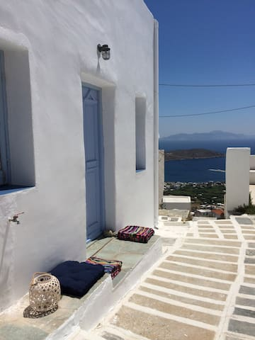 Serifos all-in -one house with amazing view