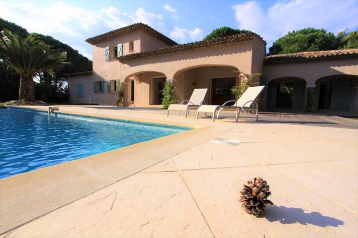Villa Saint-tropez proche de la calme.