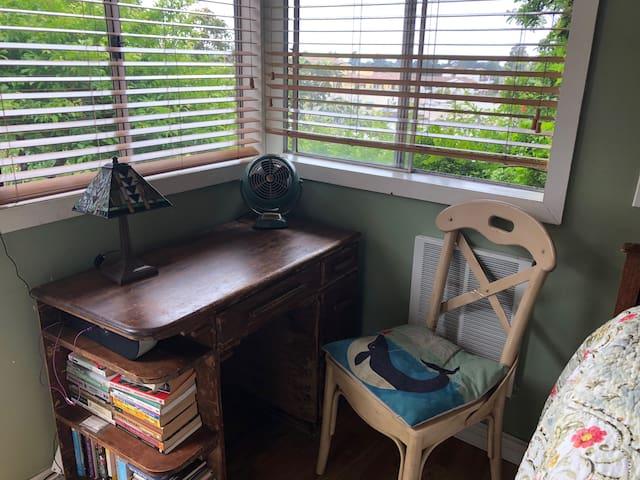 Cottage Bedroom desk