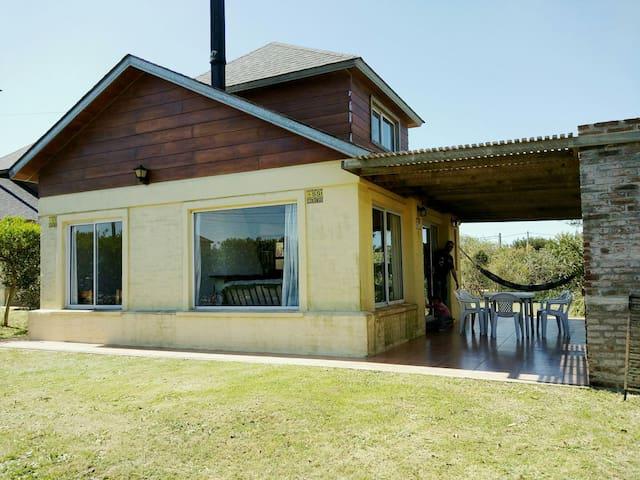 Hermosa casa 2 dorm con Mirador - Punta del Diablo - Huis