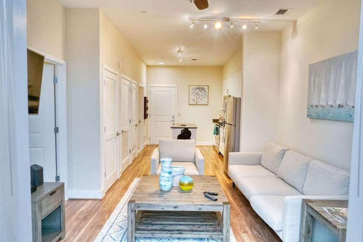 Luxury, SAFE Apartment in Old Towne Alexandria