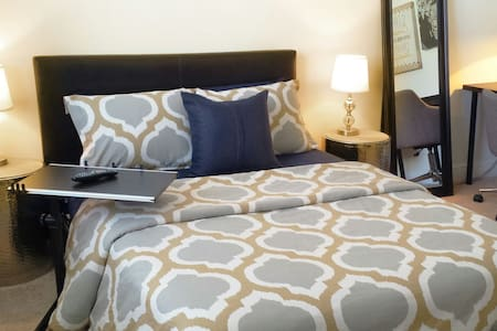 Luxury Room in South Florida - Davie