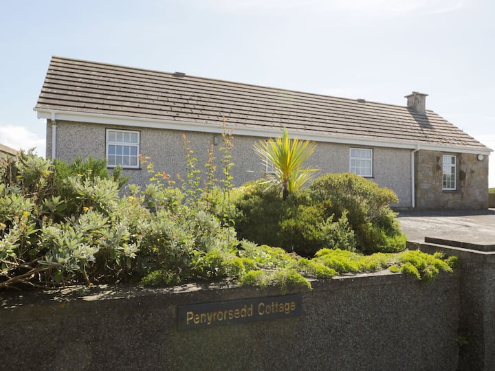 Charming Cottage - Llanfwrog, Anglesey