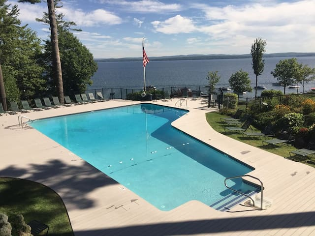 Slice of Paradise in the NH Lake Region