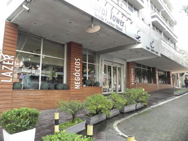 Hotel próximo aos hospitais da PUCRS e Clínicas