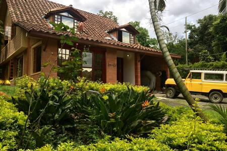 Villa Envigado (garden, good times, beautiful) - Envigado