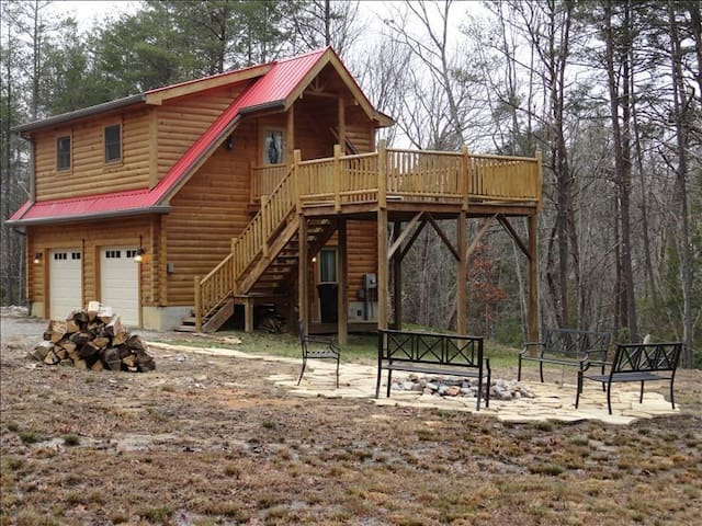 Secluded Log Cabin with Water Falls & Awesome View