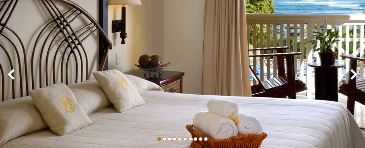 The Tropical Hotel: Sleeps 2-4, All-Inclusive